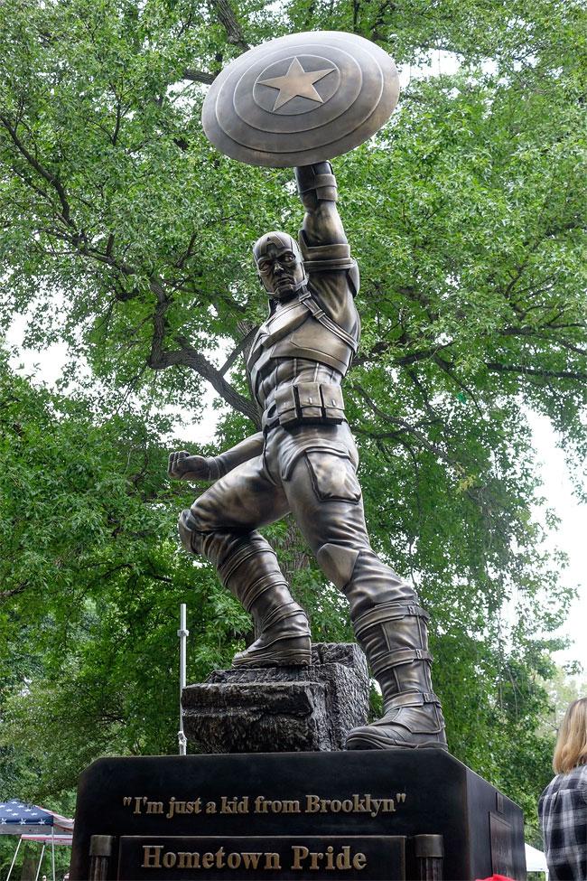 Captain America statue in Brooklyn, NY